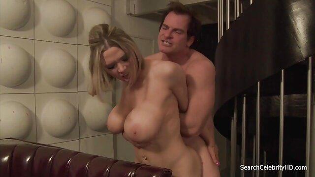 Piros pornó videó szex ujjak, saját kezével