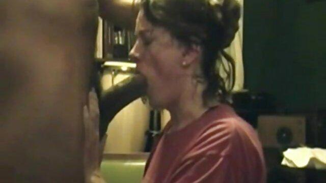 Ahelyett, hogy a hozzáférést, ahol tárolni apja lanya porno a furgon, orgazmus bőségesen a mellkason