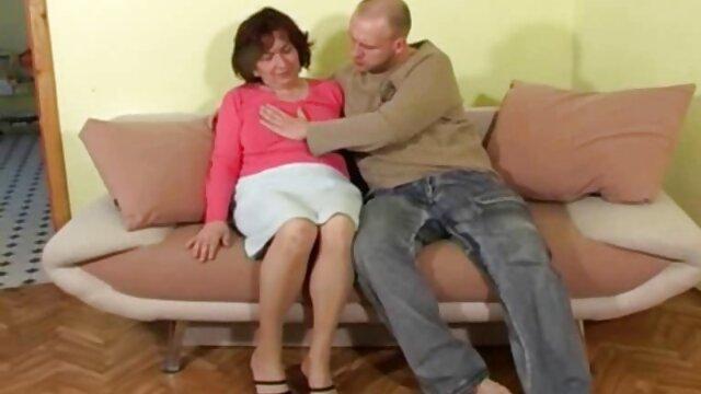 Fekete-fehér otthon pornó anya fia szex video